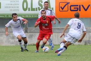 Il centrocampista ex Ragusa Buscema, all'esordio da titolare in giallorosso proprio contro la squadra nella quale ha militato nell'ultimo biennio.