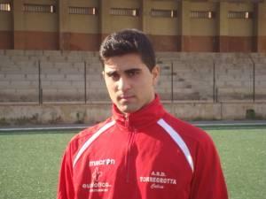 Il centrocampista Giovanni Arena