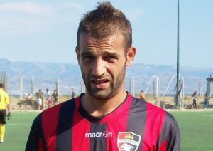 Il bomber del Pistunina Gianluca La Speme (scatto di R.S.)