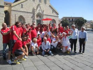 Dirigenza, staff tecnico ed atleti dell'Amatori Messina Rugby a Piazza Duomo, insieme ai volontari dell'Admo, per una lodevole iniziativa di solidarietà