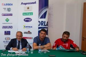 Il presidente Romagnoli, il d.s. Cirillo, l'allenatore Raffaele