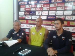 Giovanni Perdichizzi, Fiorello Toppo e l'addetto stampa Alessandro Palermo in conferenza stampa