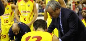 Coach Perdichizzi parla alla squadra