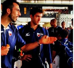 La squadra in partenza all'aeroporto di Catania
