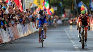 """Il disappunto dello """"squalo dello Stretto"""" per il quarto posto al mondiale di Firenze, condizionato da una caduta nel finale."""