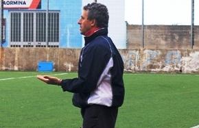 L'allenatore del Taormina Saro De Cento