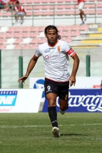 L'attaccante del Messina in azione (foto Luca Mariocchiolo)