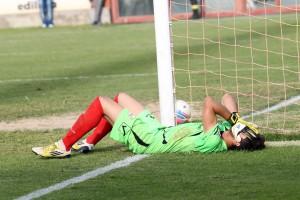 Lagomarsini disperato dopo il gol subìto contro l'Aprilia