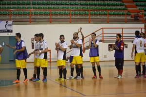 Giocatori Futsal Peloro applausi