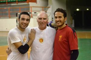 I portieri Claudio Zodda (Under 21) e Giovanni Felis con il preparatore Luciano Rizzo