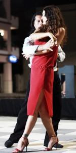 Marina Suma in un passo di tango