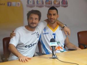 Coach Pozzecco con Teo Soragna
