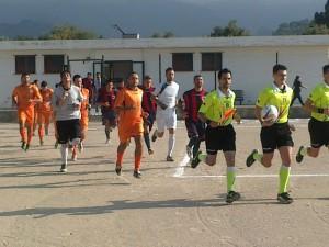 Rometta - San Gregorio, l'ingresso in campo delle due squadre