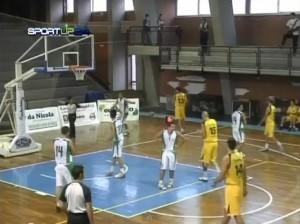 il Basket School in difesa