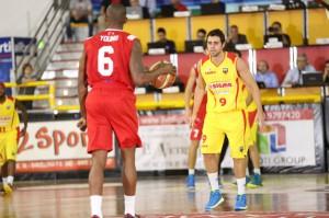 Il capitano Giuliano Maresca in difesa (10 punti)