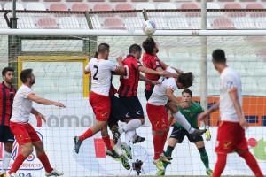 Messina chiamato al tutto per tutto contro un avversario in evidente difficoltà: il penultimo posto che ha portato al cambio in panchina originato dal misero score, appena 4 punti nelle ultime 7 gare