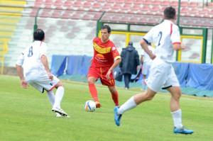 Ferreira in azione nell'ultimo Messina-Cosenza (foto Isolino)