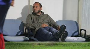 Il tecnico del Cosenza Roberto Cappellacci in panchina (foto Cosenzachannel.it)