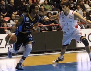 Keddrick D'wayne Mays, 31 punti contro Forlì