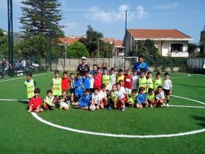 Un'immagine della scuola calcio del Riviera, presso il centro sportivo Il Limoneto di Galati Marina