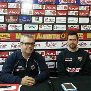 Il coach della Sigma BArcellona Giovanni Perdichizzi e il capitano Giuliano Maresca in conferenza stampa