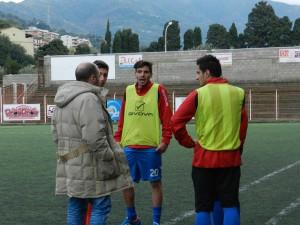 Bottari a colloquio con i suoi calciatori