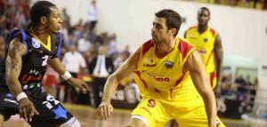 Il capitano Giuliano Maresca in azione