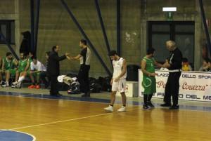 Il tecnico Pati (San Gabriele) protesta con gli arbitri
