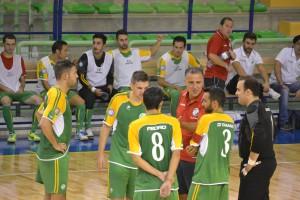 Nino Rinaldi con i giocatori