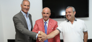 Il Gm della Sigma Barcellona Antonello Riva, il presidente Immacoalto Bonina e il tecnico Giovanni Perdichizzi