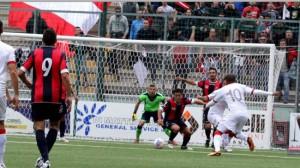 Ha agganciato il quinto posto la Casertana, che sta risalendo la graduatoria dopo l'infelice gestione Capuano e le contestazioni successive all'1-1 casalingo con il Messina