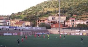 """Fase di gioco del """"derby dei Nebrodi"""" di Serie D tra Due Torri ed Orlandina"""