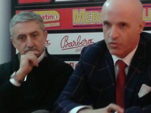Il nuovo allenatore della Sigma Barcellona Marco Calvani insieme al presidente Immacolato Bonina (foto Carmelo Amato)