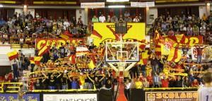 La tribunetta occupata dai tifosi della Sigma Barcellona