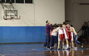 La festa al suono della sirena delle giocatrici del San Matteo per la vittoria di Catania