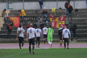 I giallorossi a fine gara (foto Paolo Furrer)