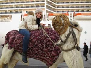 Isabella Collogrosso a Tunisi su un cammello