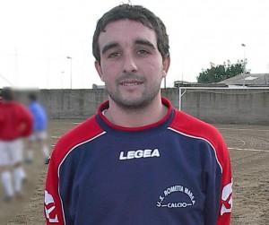 L'attaccante del Riviera Sandro Mento (scatto di R.S.)