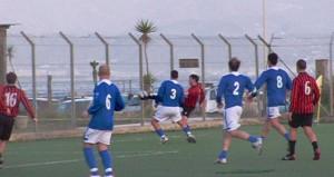 Mario Foresta mentre lascia partire la palla vincente per La Speme (scatto di R.S.)