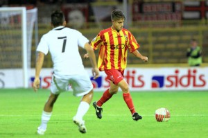 Il centrocampista in azione con la maglia del Catanzaro