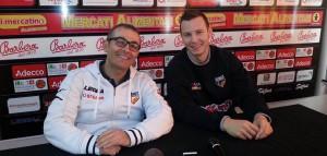 L'assistant coach della Sigma Barcellona Ugo Ducarello e Mauro Pinton in conferenza stampa