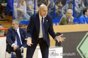 L'allenatore della Fileni Jesi Piero Coen