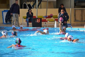 Una fase del derby fra  WP Messina e Orizzonte