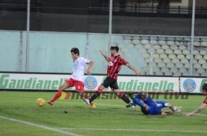 Ferreira a segno a Foggia (foto Cuteri)