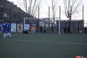 Tiger-Taormina 1-0, nella foto di Zebby il gol decisivo realizzato su rigore da Ealmaroui