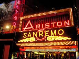 Lo storico ingresso del Teatro Ariston di Sanremo