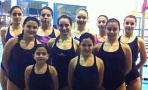 Una rappresentanza di giovanissime atlete della Waterpolo