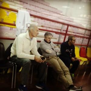 Il GM Riva, il coach Marco Calvani e l'assistente Ducarello