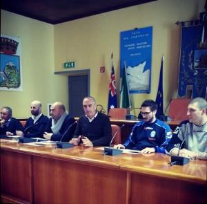Il Sindaco Enzo Sindoni e tutte le Istituzioni presenti in Consiglio Comunale