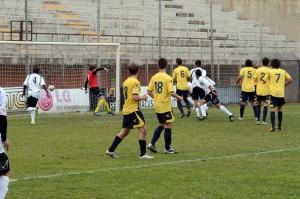 Lo stacco vincente di Frassica a metà ripresa  (foto Giovanni Isolino)